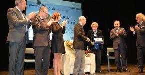 premio-manzoni-carriera-2016-maraini-premiazione1